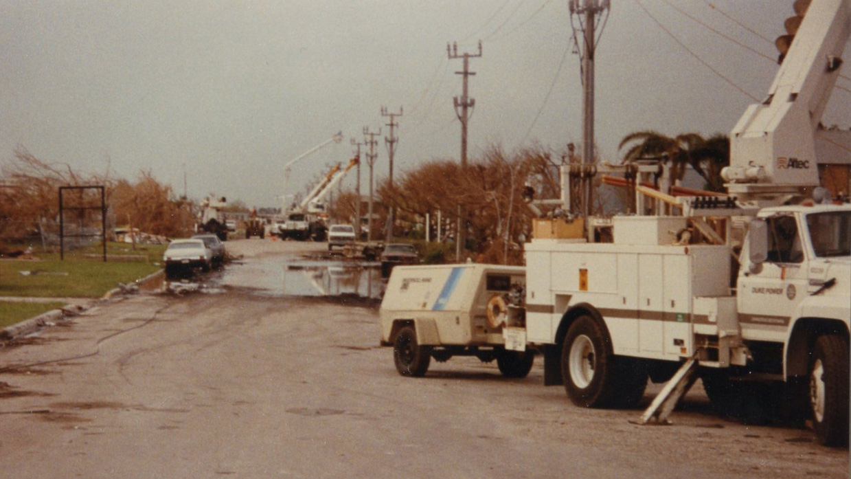 Crews line up to restore power after Hugo. (Courtesy of Duke Energy Archives)