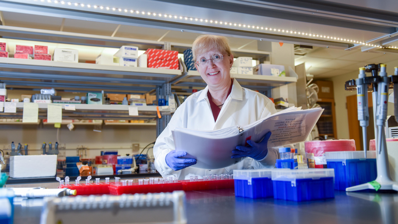 Trudy Mackay in lab